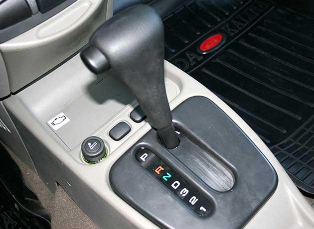 Первые Лады с автоматической коробкой появятся в 2012 году