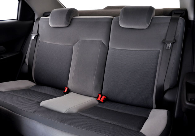 Chevrolet Cobalt 2 фото салона